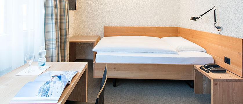 Switzerland_St-Moritz_Hotel-Hauser_Single-bedroom.jpg